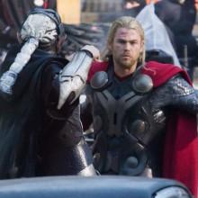 Mais uma martelada de imagens de Thor: O Mundo Sombrio