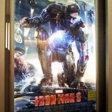 Olhaí a vida fácil do Tony Stark no novo pôster de Homem de Ferro 3