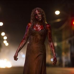 Remake de Carrie, a Estranha tem 5 finais alternativos!