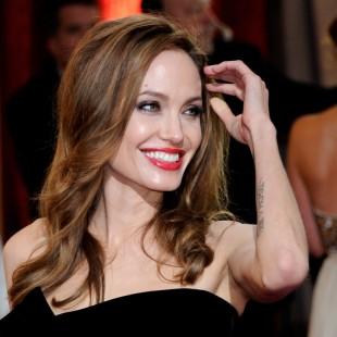 Angelina Jolie é a atriz mais bem paga do ano em Hollywood