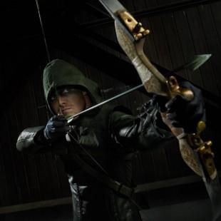 Stephen Amell disposto a ser o Arqueiro Verde do filme da Liga da Justiça