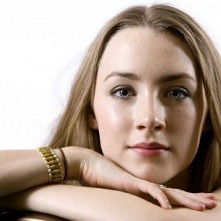 Saoirse Ronan desmente rumores envolvendo a sua participação em Os Vingadores 2