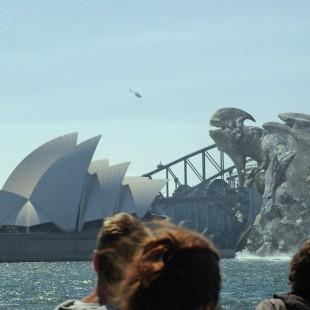 Bryan Singer vai produzir série com monstros gigantes para o SyFy