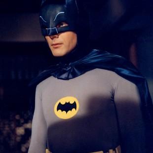 Adam West que ser o pai do Batman em Batman vs. Superman
