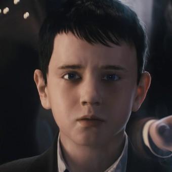 Escolhidos os jovens Bruce Wayne e Selina Kyle da série Gotham