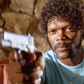 Samuel L. Jackson recita seu discurso em Pulp Fiction de cabeça, 20 anos depois do filme