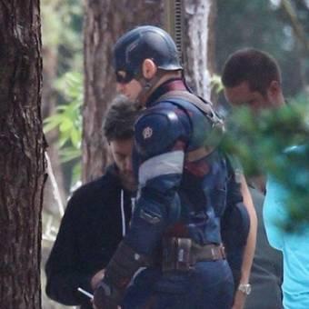 Novas imagens das filmagens de Os Vingadores 2: A Era de Ultron mostram o Capitão América e o Thor