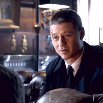 Gotham ganha pôster em movimento e easter egg do Coringa em novo trailer