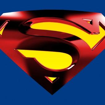 Fãs protestam contra a DC por proibir o S do Superman em memorial para um jovem fã