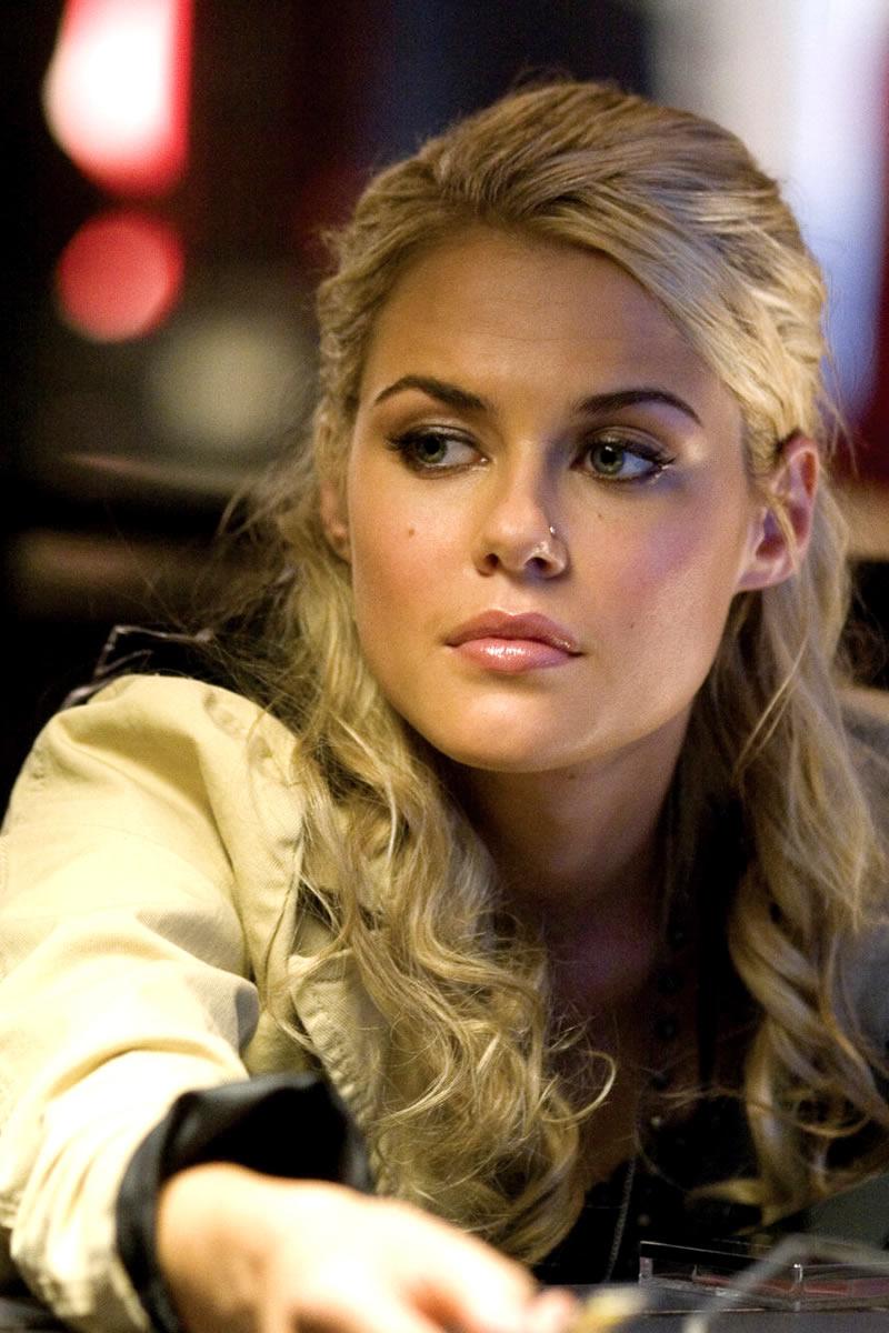 Jessica Jones: Nueva Serie de TV Transformers28