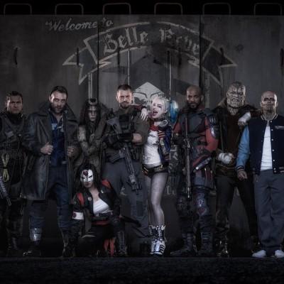 Esquadrão Suicida ganha primeira imagem oficial do elenco e fotos dos sets
