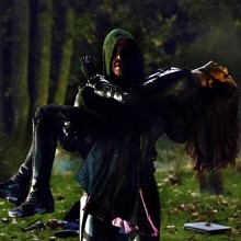 Mais imagens da Caçadora em Arrow
