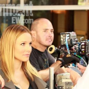 Essa é a primeira imagem oficial da produção do filme de Veronica Mars