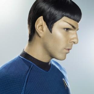 Zachary Quinto diz que Star Trek 3 será filmado em 2014