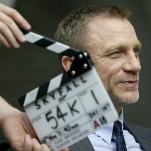Sam Mendes confirmado como diretor do próximo 007 – que estreia em 2015