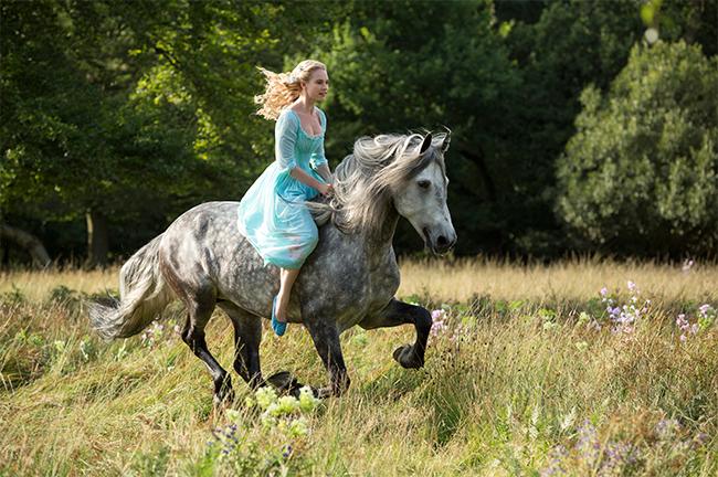 Cinderela Lily James
