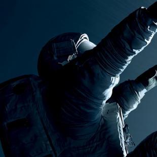 """""""Gravidade é o melhor filme espacial já feito"""", diz James Cameron"""