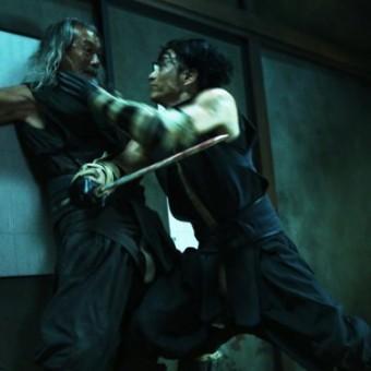 Aoshi e Okina se enfrentam nas novas imagens de Rurouni Kenshin 2
