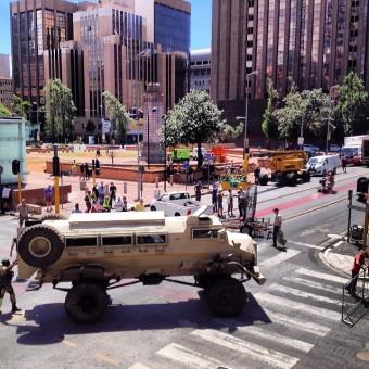 Vamos ver mais algumas fotos dos sets de Os Vingadores 2 na África do Sul
