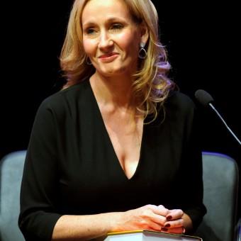 J.K. Rowling pode escrever até 7 livros com Cormoran Strike