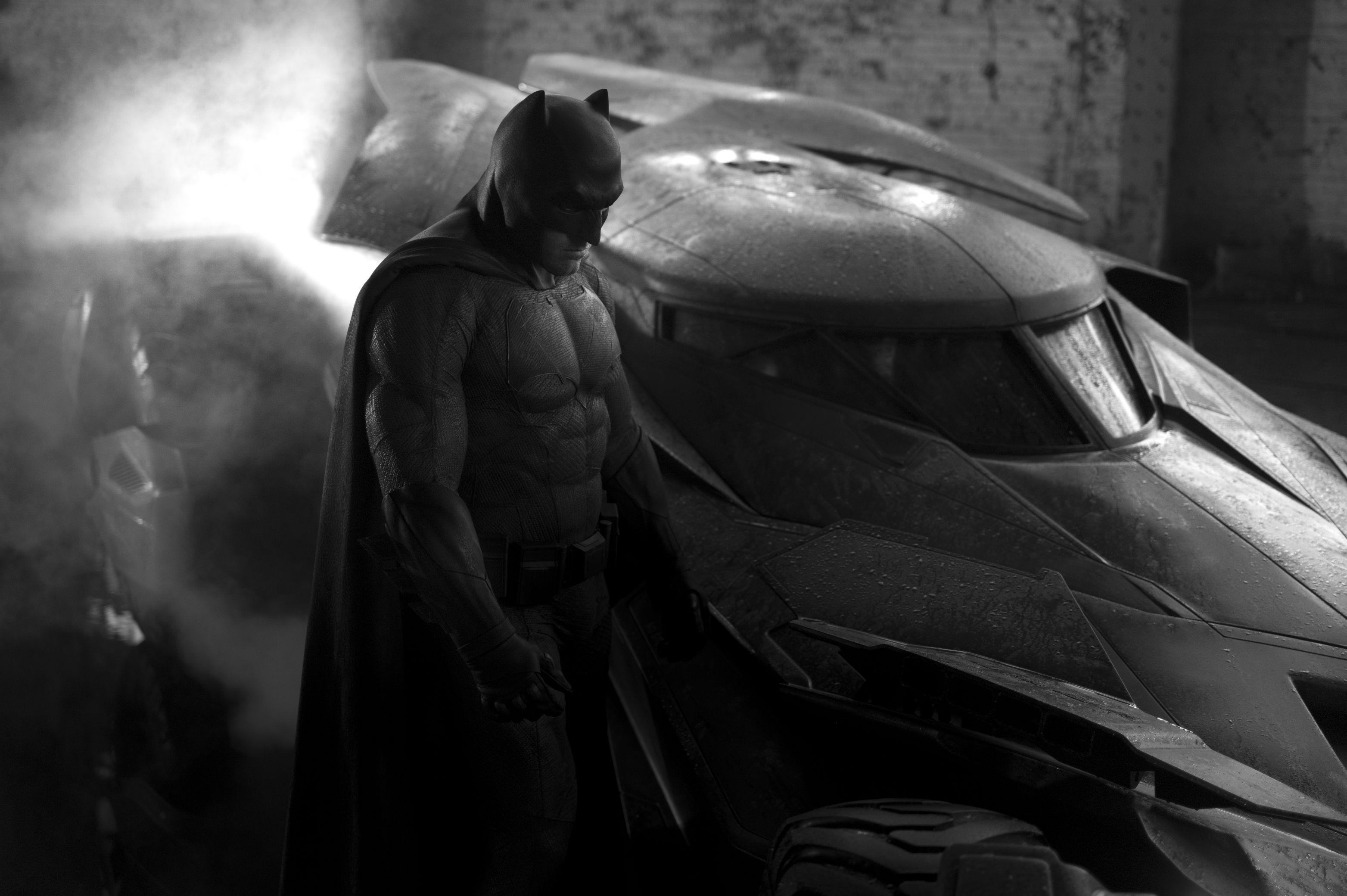 Batman Ben Affleck Visual Uniforme Batmovel