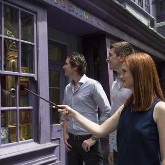 Você pode conjurar feitiços na nova atração do parque temático de Harry Potter