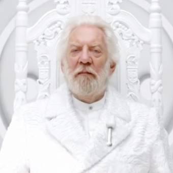 Presidente Snow tem um comunicado a fazer no primeiro teaser de A Esperança: Parte 1