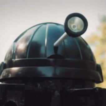 Essa paródia japonesa de Doctor Who é tudo que você precisa ver na Internet hoje