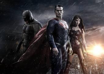 Warner tem uma política de não fazer piadas em seus filmes de super-heróis – mas qual a surpresa?