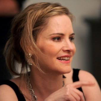 Jennifer Jason Leigh entra para o elenco do novo filme de Quentin Tarantino