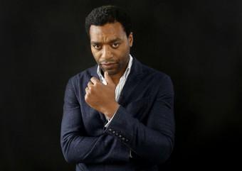 Chiwetel Ejiofor negocia para ser o Ancião no filme do Doutor Estranho