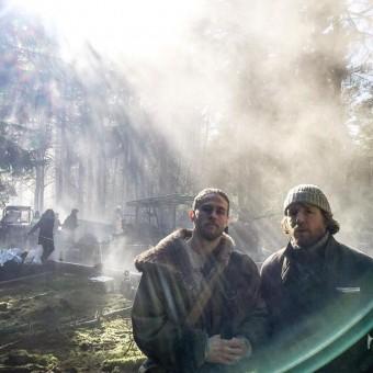 Veja a primeira imagem de Charlie Hunnam no novo filme do Rei Arthur