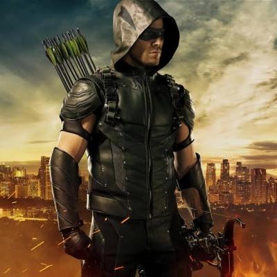 Novos uniformes, Anarquia e Senhor Incrível na quarta temporada de Arrow