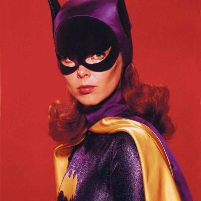 Yvonne Craig, a Batgirl dos anos 60, morreu aos 78 anos de idade