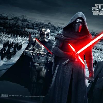 Vários cartazes e as vozes de Kylo Ren e Finn em Star Wars: Episódio VII